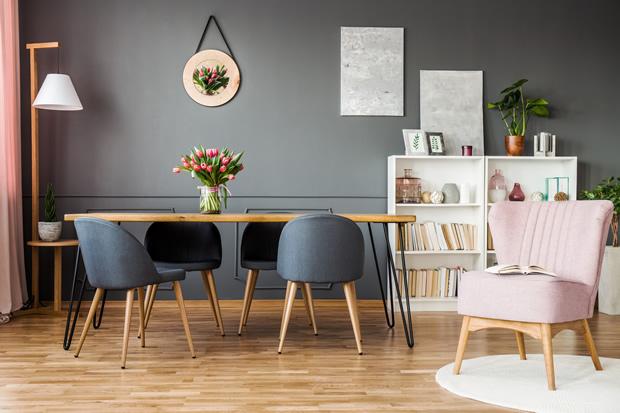 Comment utiliser la peinture grise dans un salon ?